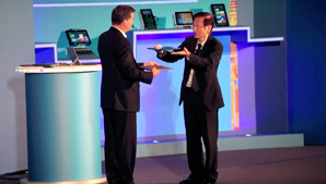 ASUS Chairman Unveils Two New Ultrabooks at COMPUTEX 2012
