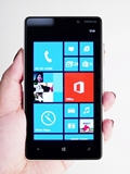 Nokia Lumia 820 - The Capable 'Little' Brother