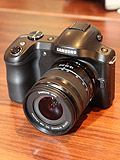 Hands-on: Samsung Galaxy NX Mirrorless Interchangeable Lens Camera