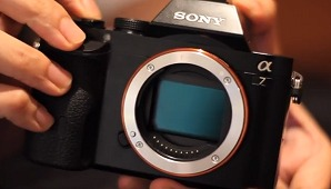 Preview: Sony's A7 and A7R Ultra Lightweight Full-frame Cameras