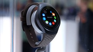 First Looks: Samsung Gear S2 Classic
