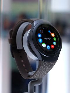 Gearing up for the Samsung Gear S2: Learn how to set up your Samsung Gear S2 here!