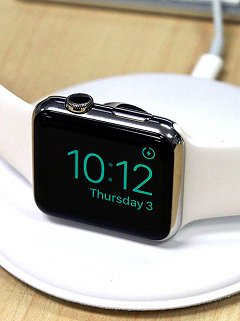 "Up close with the ""official"" Apple Watch magnetic charging dock"