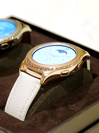 Samsung adds Rose Gold and Platinum-plated Gear S2 Classic options; announces iOS compatibility