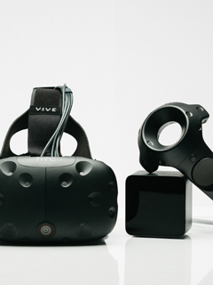 HTC enters the fitness tracking buzz and expands VR with new kit