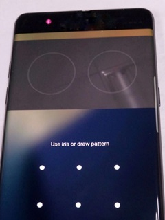 The iris scanner on the Galaxy Note 7 may not work well with glasses or contact lenses