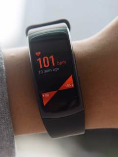 Every workout counts: Samsung Gear Fit2, Gear IconX