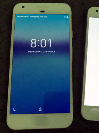 Leaked images of Google Pixel phones look a lot like iPhones