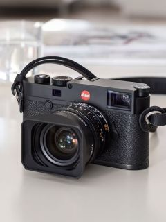 Leica unveils its new M10