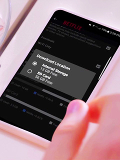 Netflix now allows users to save videos on SD card for offline viewing
