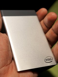 Self-upgrade your smart fridge or TV? Intel's Compute Card might just make that a reality