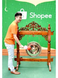 Shopee's 'Cahaya Raya' campaign will solve your Raya shopping woes