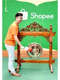 Shopee's 'Cahaya Raya' campaign will solve your Raya shopping woes