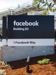 Facebook to enter original video content space in mid-June