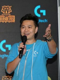 Digi joins Logitech and Garena as sponsors of the Kuala Lumpur Hunters LoL team