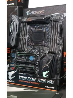 Gigabyte hosts event for media and partners, showcases its Intel motherboards