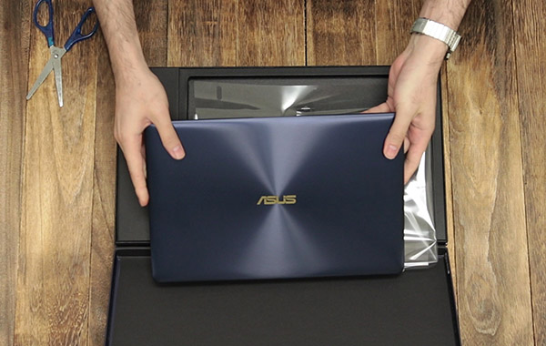 Unboxing the ASUS ZenBook 3 Deluxe