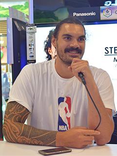 Panasonic treats NBA fans to a mini event with Oklahoma City Thunder's Steven Adams