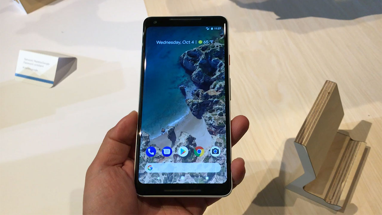 First looks at the Google Pixel 2 XL