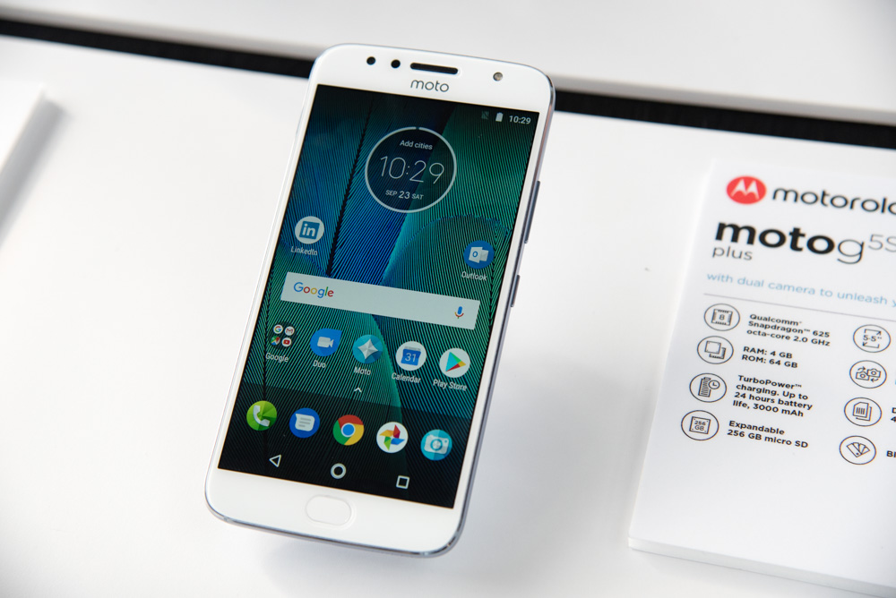 Motorola wants you to take a look at two new phones that won't break the bank
