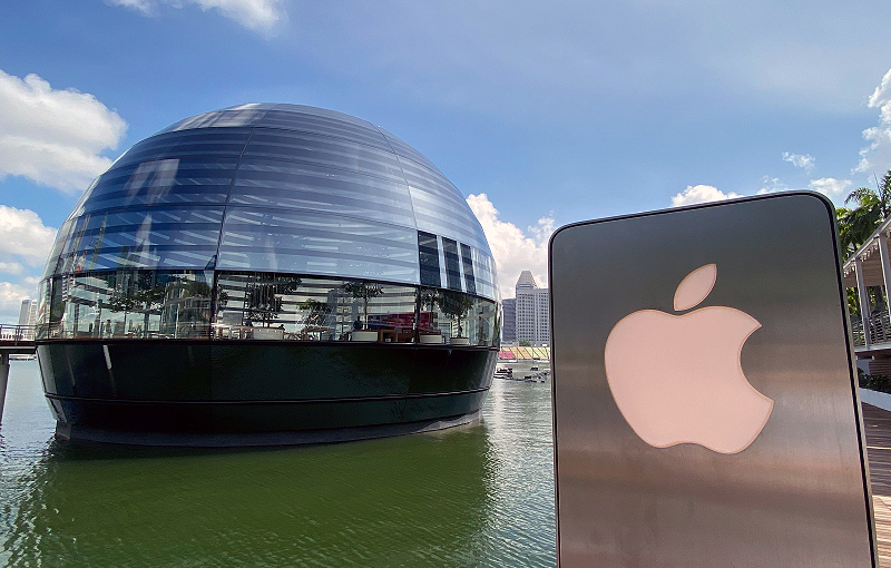 A walk-through of the new Apple Marina Bay Sands