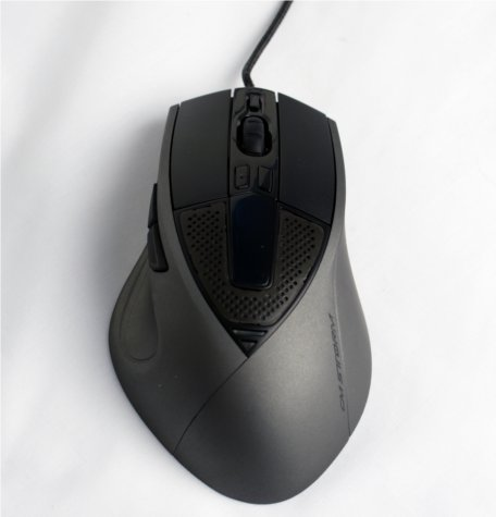 The Sentinel is a large mouse measuring in at 83.5 x 135 x 40mm.