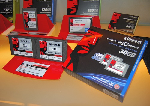 Here's a closer look at Kingston's SSDNow V series 30GB Twin Pack. The idea behind it is to offer increased performance with two entry level SSD drives.