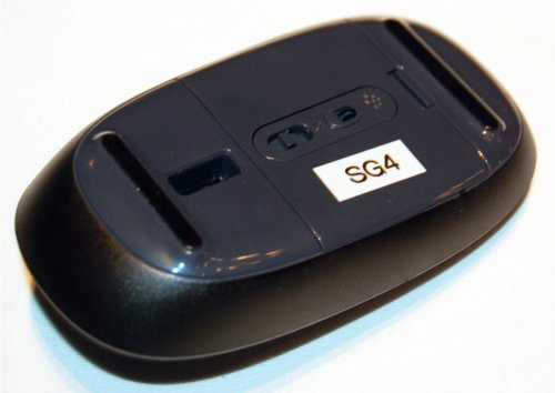 As with the Touch mouse, the power switch is located at the bottom of the Explorer Touch mouse.