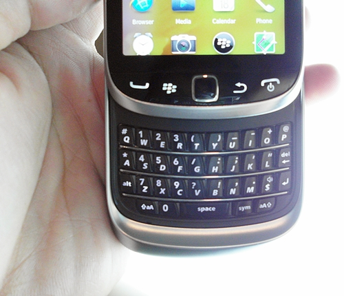 Slide up and you will find the familiar QWERTY keyboard of the Torch 9810. The keys have excellent tactile feedback and provide a very comfortable typing experience. Without a doubt, RIM still makes one of the best QWERTY keyboards on mobile phones today.