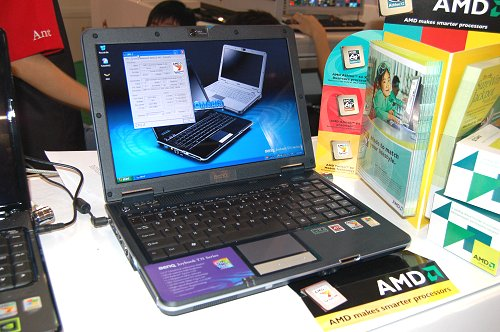 BenQ had their Joybook T31-E16 on sale at AMD's booth as well for S$1799. The Joybook runs on a 1.6Ghz Turion 64 X2 TL50 CPU, 13.3-inch WXGA monitor, 512MB RAM, 100GB HDD and comes with a free 512MB Thumbdrive.