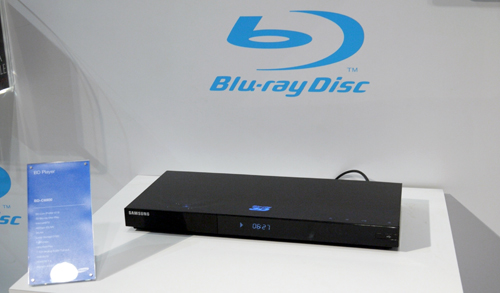 Not only with their 3D TVs, Samsung is also the first CE giant to introduce a 3D Blu-ray player here in Asia. Shown here is the BD-C6900 model.