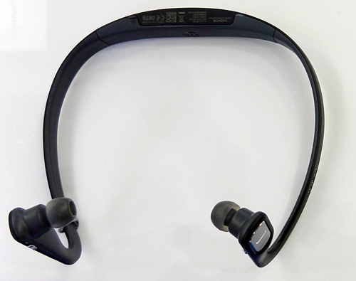 The Nokia Bluetooth Stereo Headset BH-505 is lightweight and sweat resistant, which makes it suitable for use during exercise.