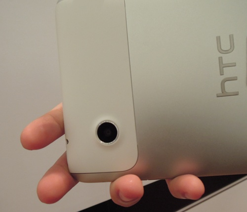 The HTC Flyer comes with a 5-megapixel rear camera with auto-focus capabilities, and a front-facing 1.3-megapixel camera for conferencing.