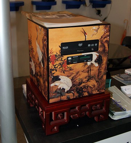 The best way to blend in personal home entertainment computers is perhaps to design them to match interior decors. This is exactly what the C3 line of computers is all about. Shown above is the C3-001 with distinctive oriental designs to perfectly blend into homes of similar decor.