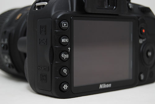 Design & Handling : The Nikon D3100 - A Small Camera with a Giant