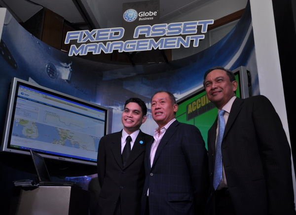 The Fixed Asset Management booth is one of the three booths that Globe put up to showcase their M2M solutions, allowing the attending customers to learn how these solutions can benefit their respective businesses. In the photo are the executives from Globe Telecom, headed by Mr. Ernest Cu (center), President and Chief Executive Officer.