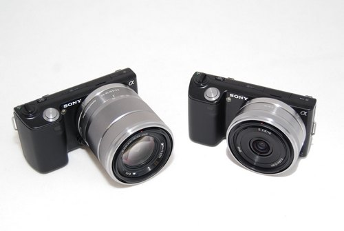 The NEX-5 18-55mm lens in comparison with the 16mm pancake, seen together in this composite photo.