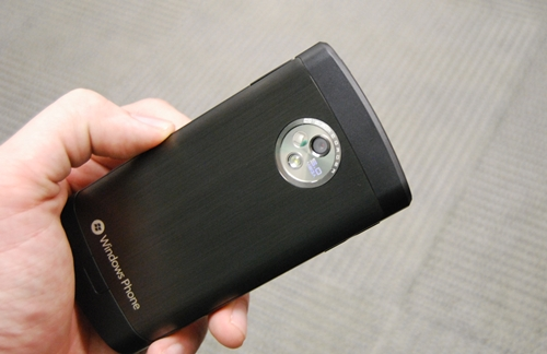 The choice of retaining a 5-MP camera is questionable on a high-end phone like the LG Optimus 7, but as usual, it is found at the rear accompanied by a LED flash.