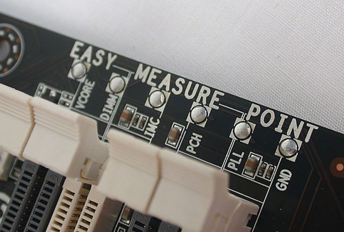 Like some other vendors, ECS has marked these voltage measuring points to make it easier for enthusiasts and their voltmeters.