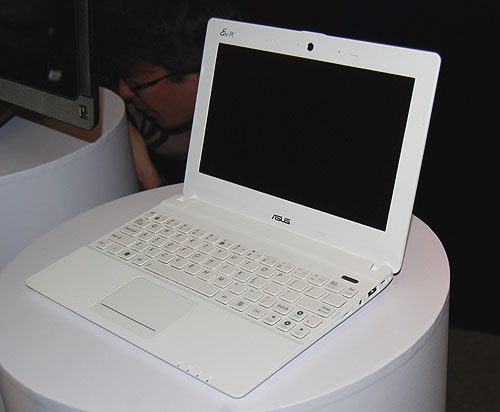 A pristine white Eee PC X101 looks like any other Eee PC netbook, but for once, it looks slim enough.