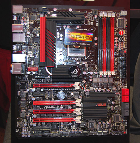 Here's the Maximus IV Extreme-Z without the installed components. It supports both NVIDIA SLI and CrossFireX of course, along with Lucid Virtu for switchable graphics and Quick Sync support.