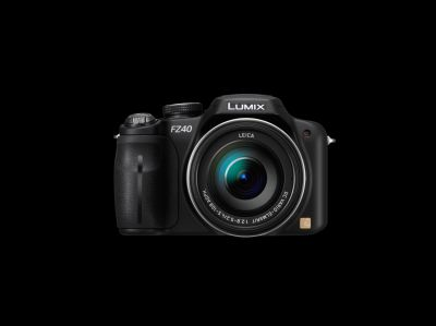 The LUMIX DMC-FZ40 (FZ45 in Europe), packs 14.1 megapixels and delivers a similar optical zoom capability as the FZ100 (18-24x). This puts the two hybrid cameras (FZ100 and FZ40) as models with the industry's fastest level of response when capturing fast moving objects.