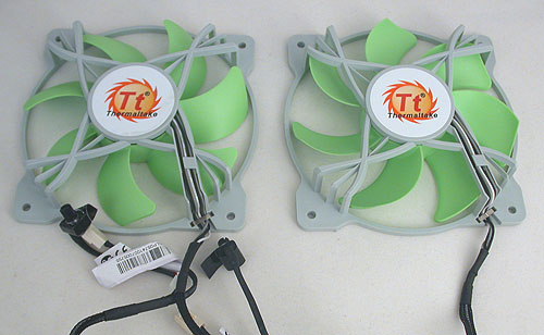 The two 120mm fans come with differently shaped blades, with the one on the left here meant to pull air in and the other shaped to exhaust the warm air on the other side of the cooler. Hence you shouldn't get the order wrong. Each fan has its own 3-pin power connector and a fan control knob, with a choice between Low and High fan speeds. The downside is that those with many existing system fans will find fitting two more 3-pin fan connectors on their motherboard a dilemma. We definitely prefer a single central power connector with just one fan speed control. There's really not much of a point to set the intake and exhaust  fans at different fan speeds.