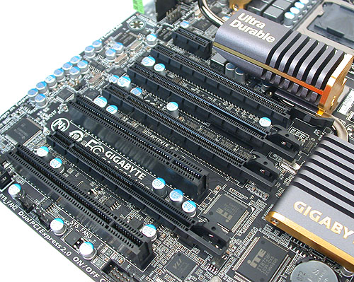 There are only two proper PCIe x16 slots here with the full 16 lanes, with Gigabyte recommending that users choose the first PCIe x16 slot for a single card for optimal performance. The other PCIe x16 slots actually have 8 lanes of bandwidth. Installing a 3-way configuration will result in an x16/x8/x8 setup.
