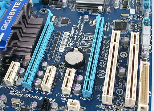 Two PCIe 2.0 x16 slots that support CrossFireX (x8/x8) are the highlight of this board. One also finds up to three PCIe x1 slots and two PCI slots. All the expansion slots are spaced adequately.