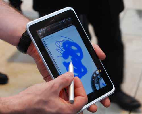 The HTC Scribe pen is used in various formats, one of which is drawing and taking notes on the tablet.