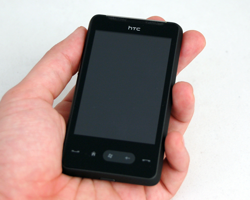 Neither too small, nor too big, the HD mini was a perfect fit in our hands.