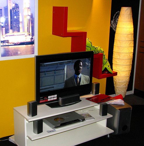 Setups like this were tastefully done up to help visitors better visualize how their own living rooms could look like with Sony products.