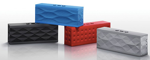 The Jawbone Jambox is a perfect example of how function and form can co-exist in harmony. Don't fancy silver? You've black, blue, or red to choose from. (Image: Jawbone)