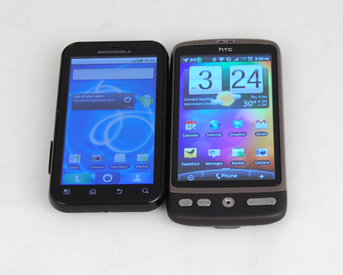 Visibly smaller than the HTC Desire, the Motorola Defy shares the same screen dimension at 3.7 inches.